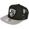 Boné Mitchell & Ness Brooklyn Nets Trucker